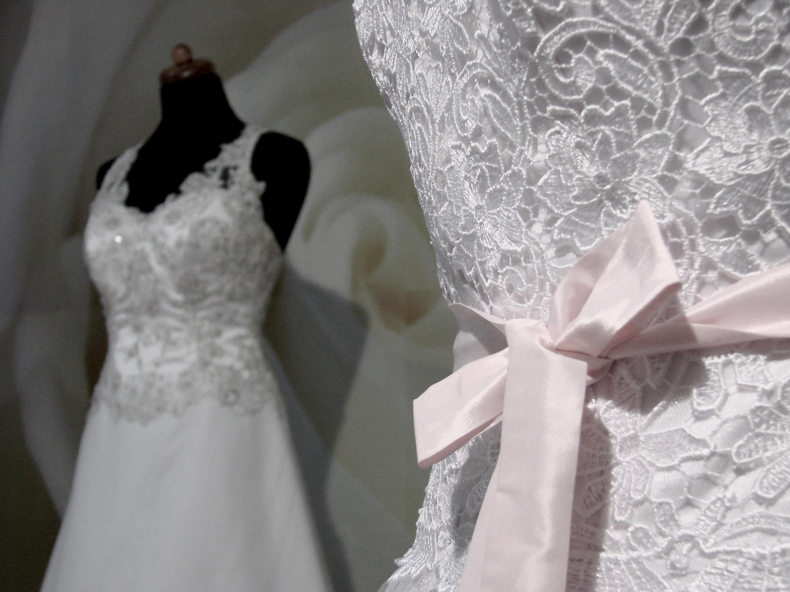 Pracownia, szycie sukien ślubnych